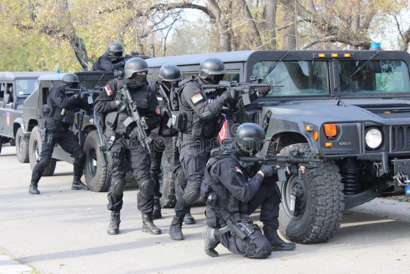 Servische Gendarmerieexploitanten royalty-vrije stock fotografie