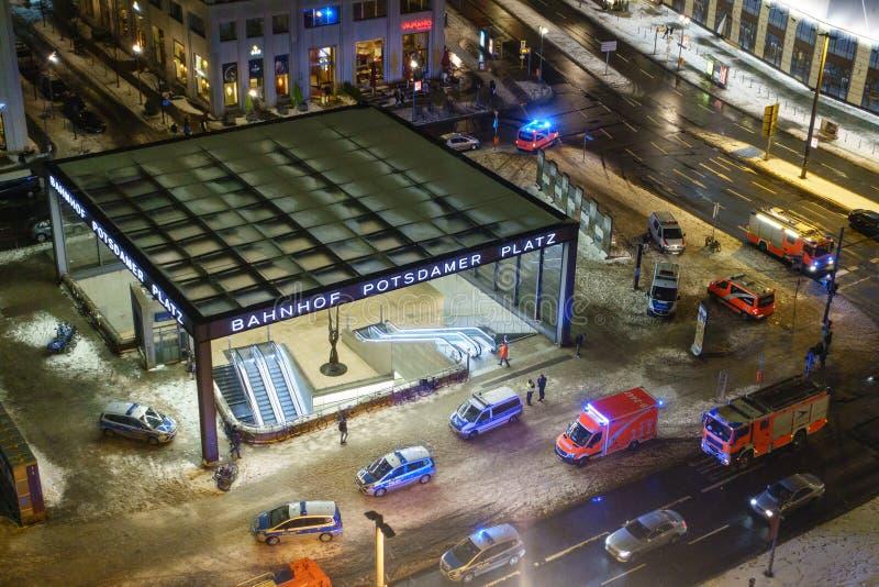 Servizi di soccorso a Berlin Potsdamer Platz fotografia stock