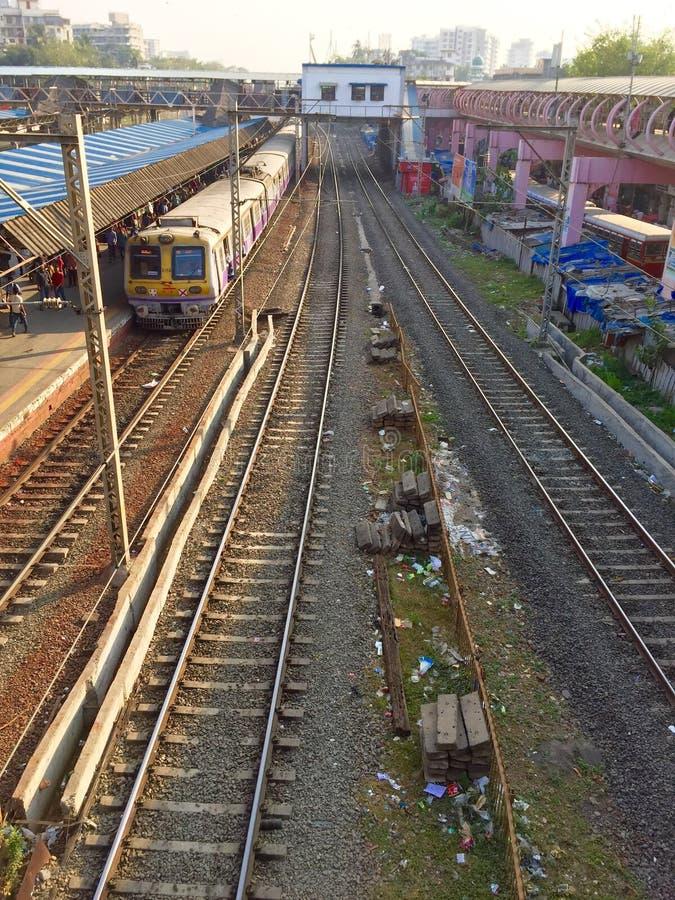 Servizio dei treni del locale di Mumbai fotografia stock libera da diritti