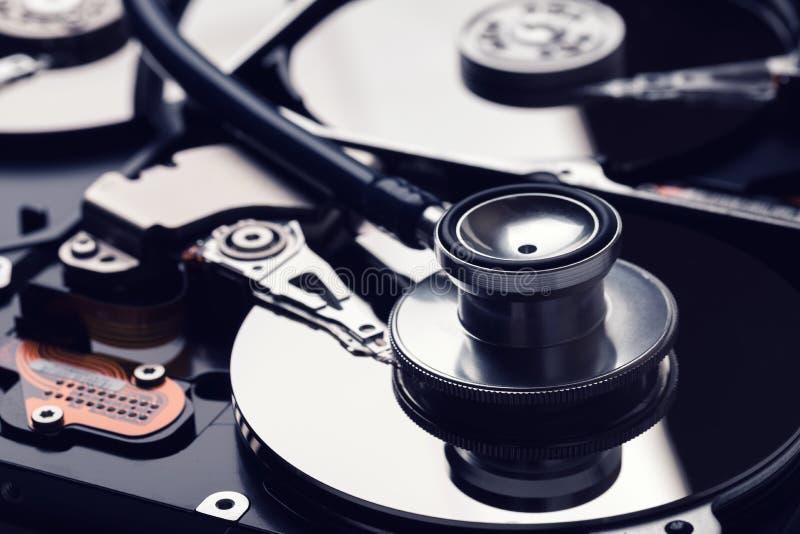 servizio di recupero di sistemi diagnostici del disco rigido e di dati digitali fotografie stock