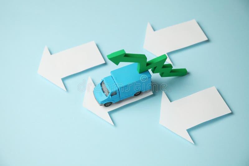 Servizio postale per la consegna delle merci Camion per i trasporti di affari immagini stock