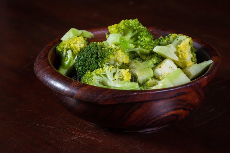 Servizio sano dei broccoli fotografia stock