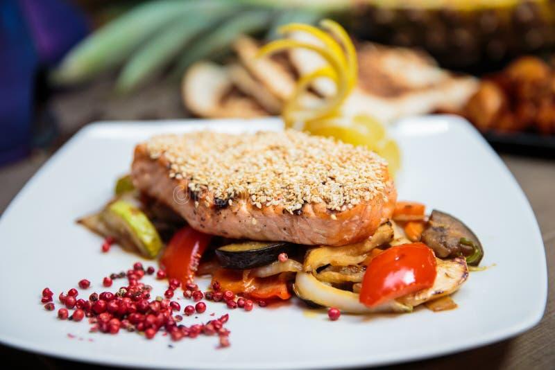 Sesame crusted salmon royalty free stock photos