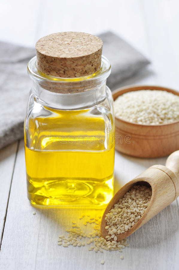 Sesame Seeds And Oil Royalty Free Stock Photography