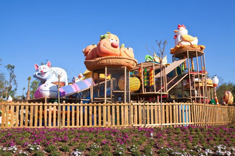 Sesame Streetbereich am PortAventura Freizeitpark lizenzfreie stockfotos