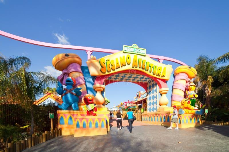 Sesame Streetbereich am PortAventura Freizeitpark stockfotografie