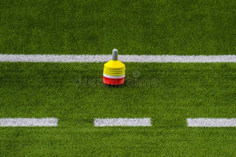 Sessão de formação do futebol do futebol Futebol do treinamento no passo imagens de stock