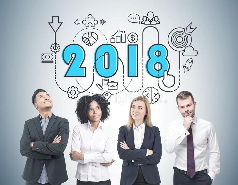 Sessão de reflexão diversa da equipe do negócio, estratégia 2018 fotos de stock royalty free