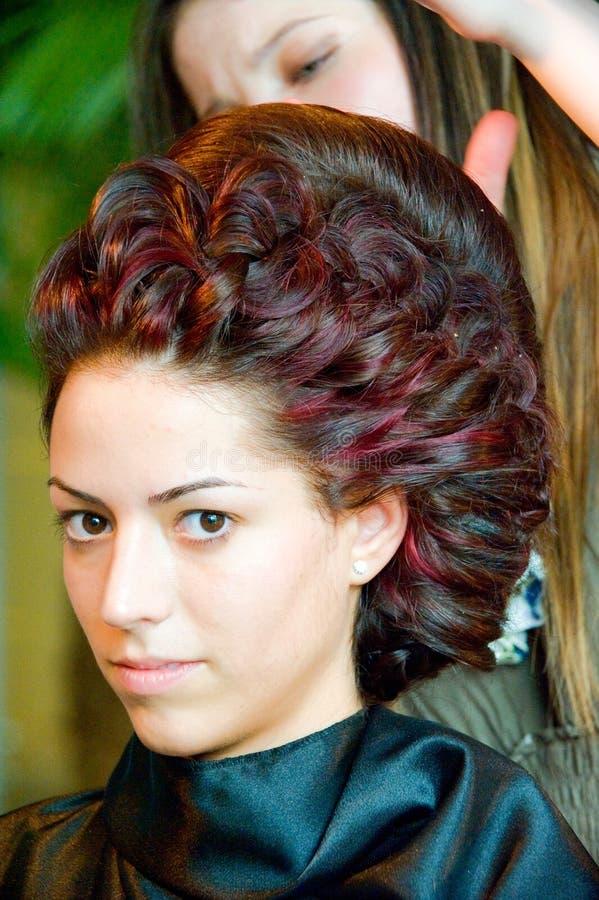 A sessão do corte de cabelo no cabelo & compo Fest imagem de stock