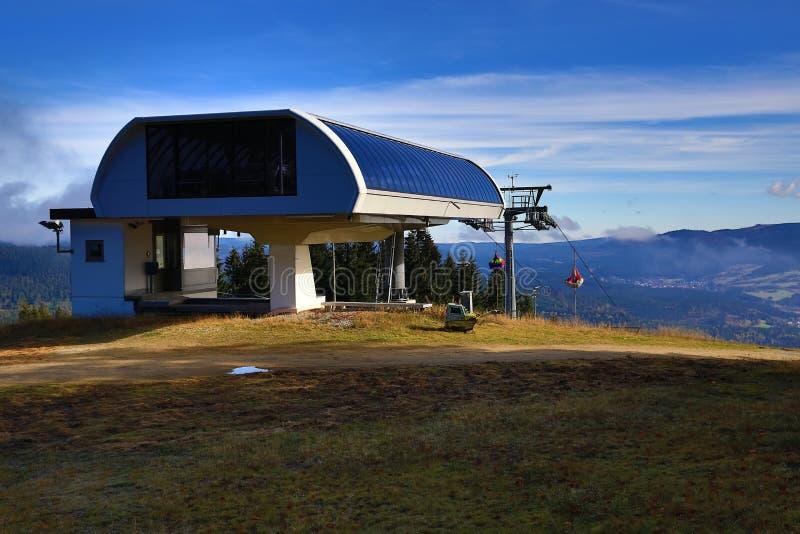 Sesselbahn, Großer Arber (deutsch für großes Arber) ist die höchste Erhebung der Bayerisch-Böhmisch-Gebirgskante, Deutschland lizenzfreie stockfotos