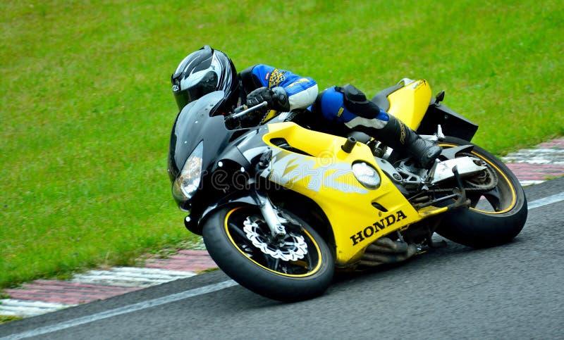 Session d'équitation de moto au centre de course de WallraV image libre de droits