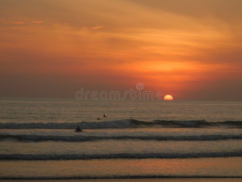 Session de ressac de coucher du soleil photos stock