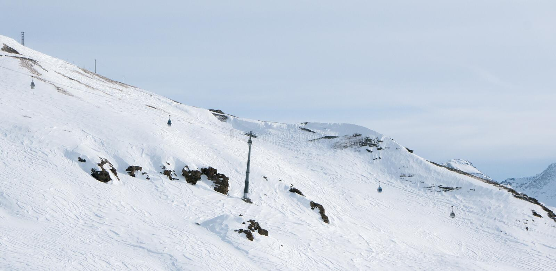 Sestriere, Piemonte, de skiërs van Italië op de hellingen royalty-vrije stock afbeelding