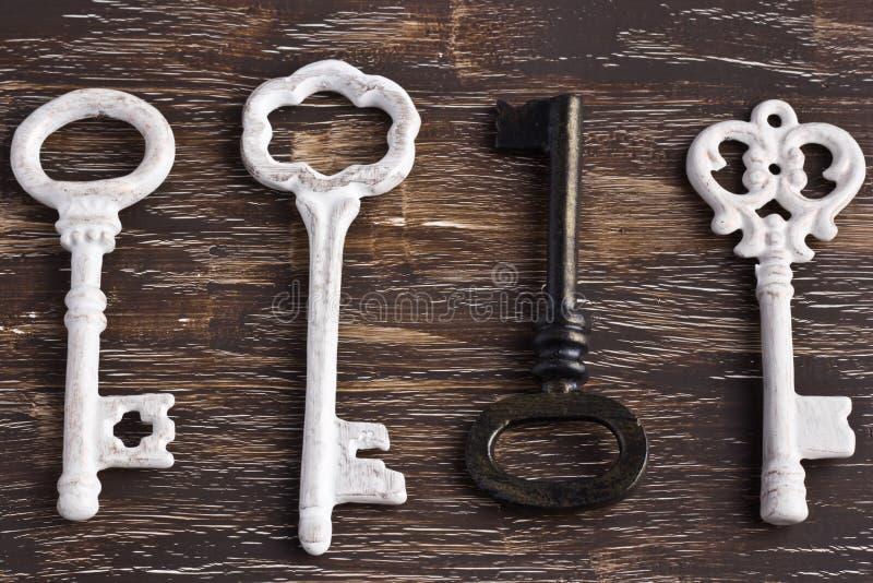 Set cztery antykwarskiego klucza, jeden jest różny i do góry nogami obraz royalty free