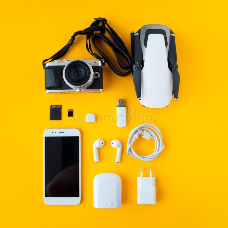 Set dla blogger, podróżnika i fotografa, Wszystko dla zadowolonego producenta i podróży zdjęcia stock
