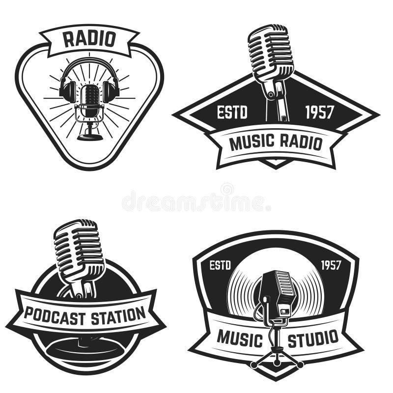 Set emblematy z starego stylu mikrofonem odizolowywającym na bielu royalty ilustracja