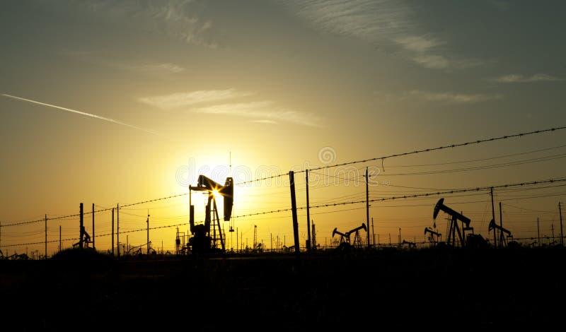 Set för sun för oljepump arkivbild