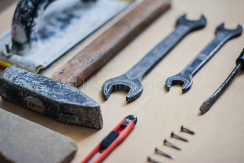 Set instrumenty dla naprawiać na drewnie zdjęcia royalty free
