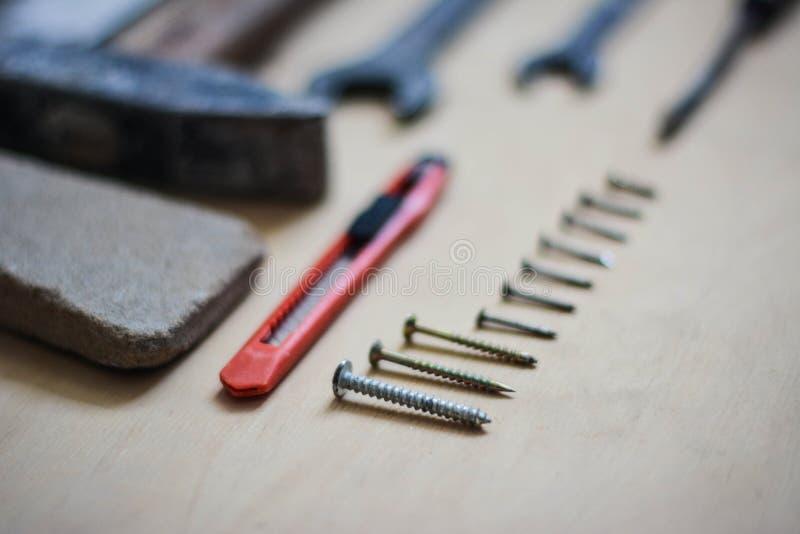 Set instrumenty dla naprawiać na drewnie obraz stock