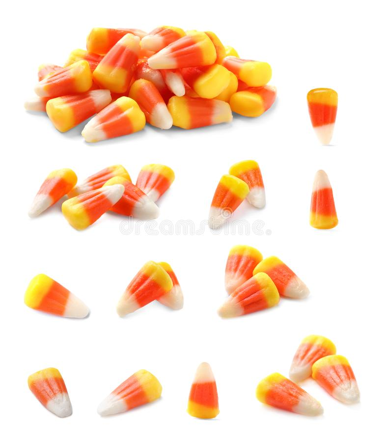 Set kolorowe cukierek kukurudze dla Halloween przyjęcia na bielu obraz stock