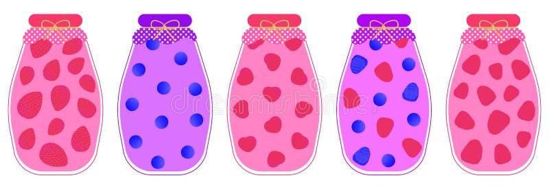 Set pięć kompotów całe jagody truskawka, wiśnia, malinka, czarna jagoda i czernica w szkle, zgrzyta na białym backgr ilustracji