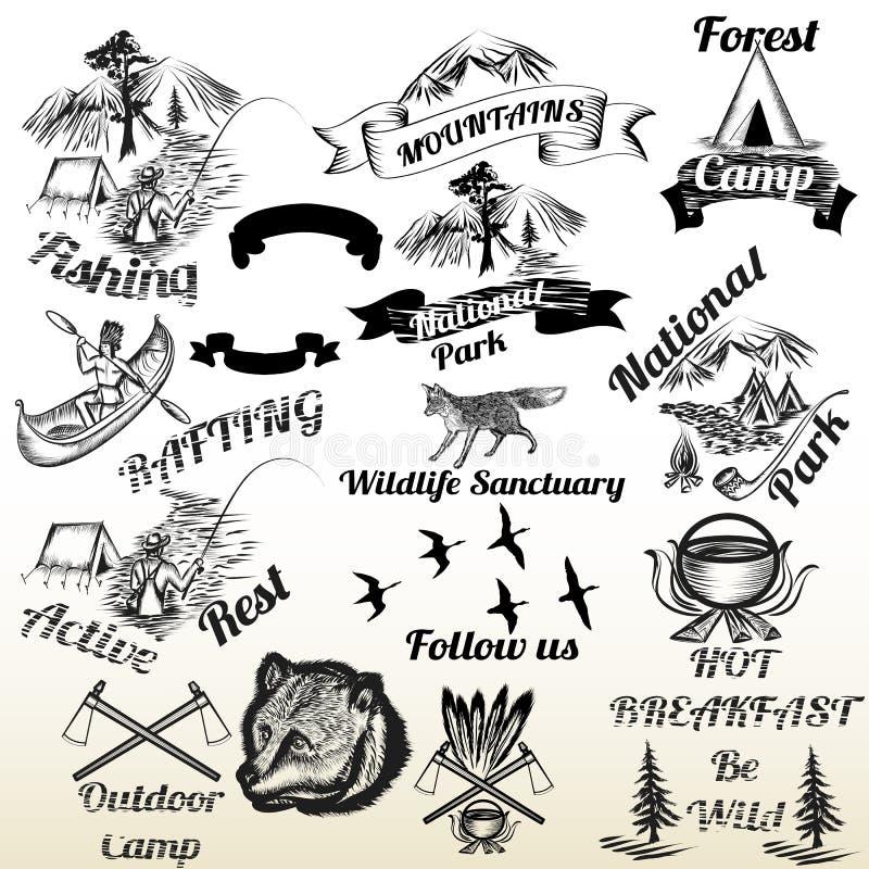 Set plenerowy campingu i gór typografii etykietek projekt ilustracja wektor