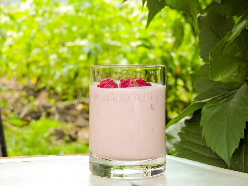 Set różnorodne świeże lato jagody Zamyka up, selekcyjna ostrość Lato zdrowa owoc Jedzenie wzór zdjęcie royalty free