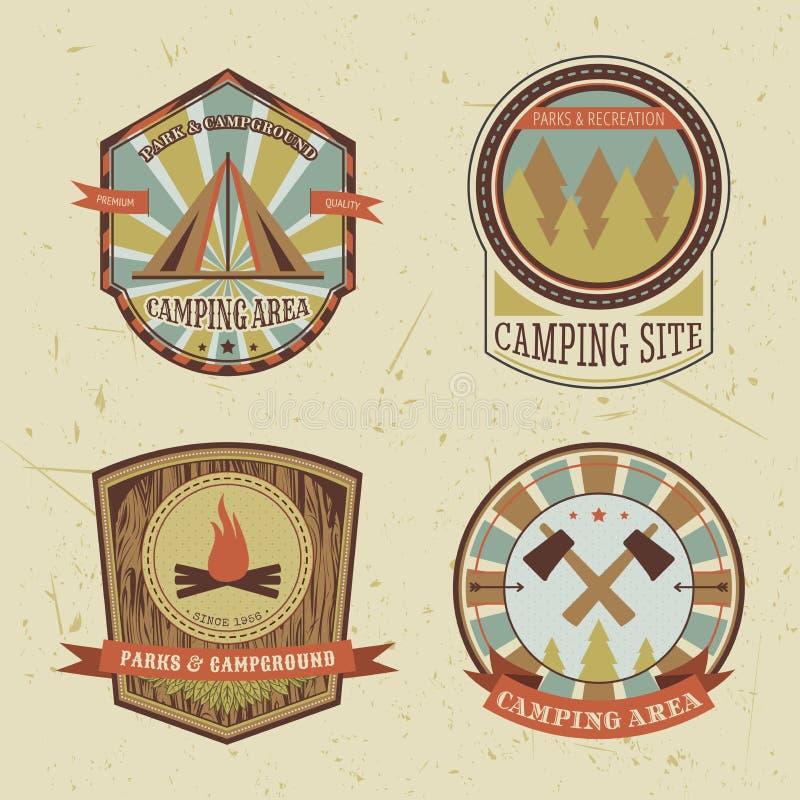 Set rocznika camping, plenerowe przygoda loga odznaki i etykietki ilustracji