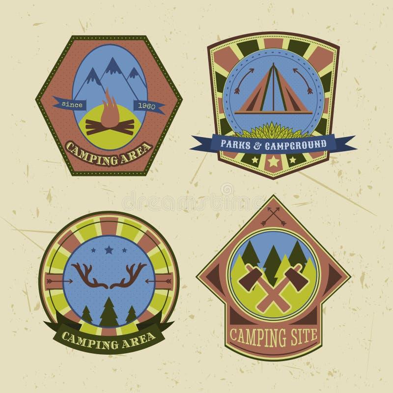 Set rocznika camping, plenerowe przygoda loga odznaki i etykietki royalty ilustracja