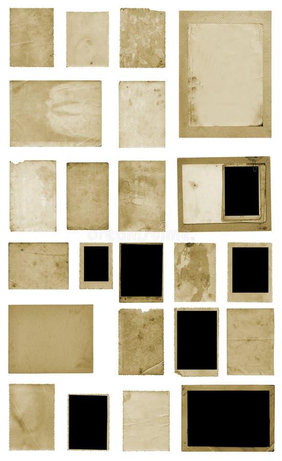Set starego rocznika fotografii brudne poczt?wki i album?w prze?cierad?a na odosobnionym tle fotografia royalty free