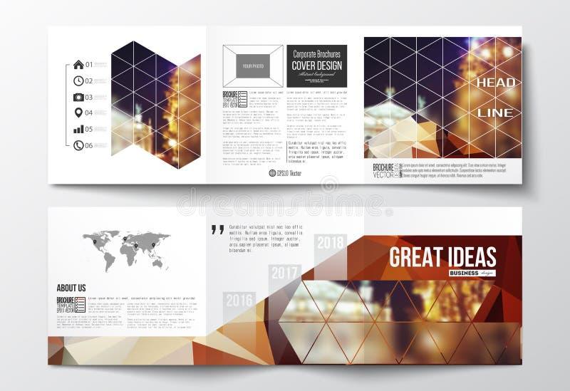 Set trifold broszurki, kwadratowi projektów szablony Kolorowy poligonalny tło, zamazany wizerunek, nocy miasta krajobraz royalty ilustracja