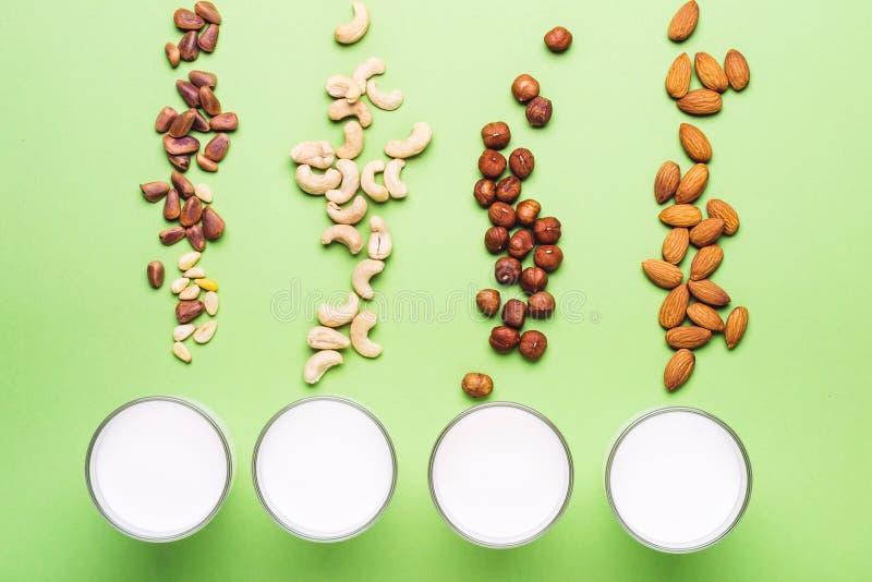 Set weganinu non dzienniczka mleko Opieki zdrowotnej, diety i odżywiania pojęcie, obrazy royalty free
