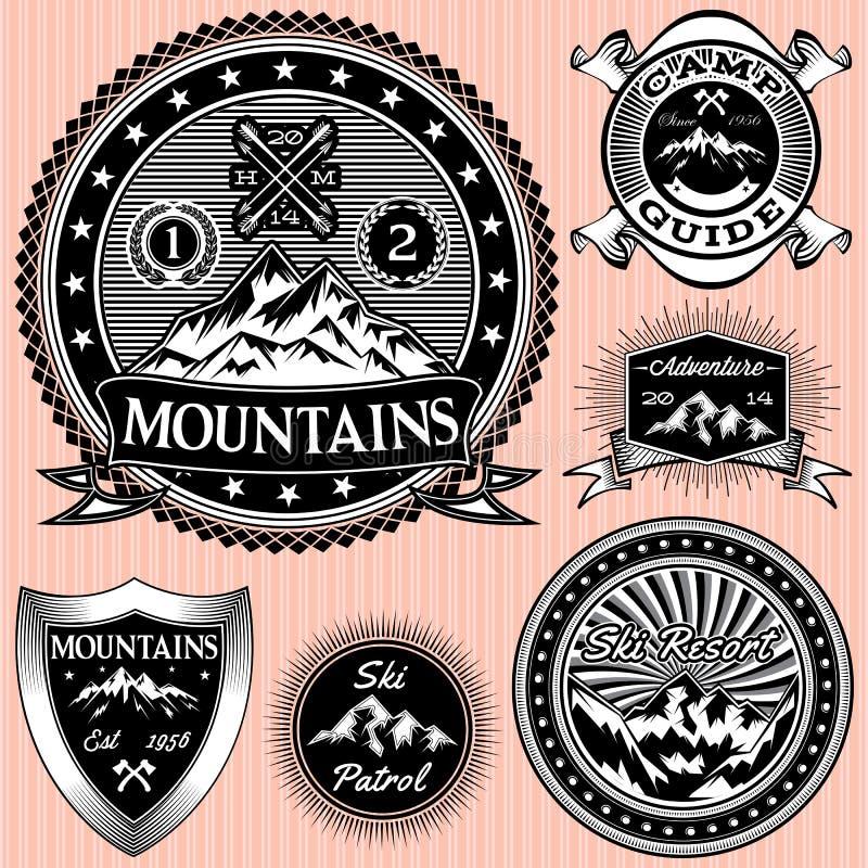 Set wektorowi emblematy z górami ilustracji