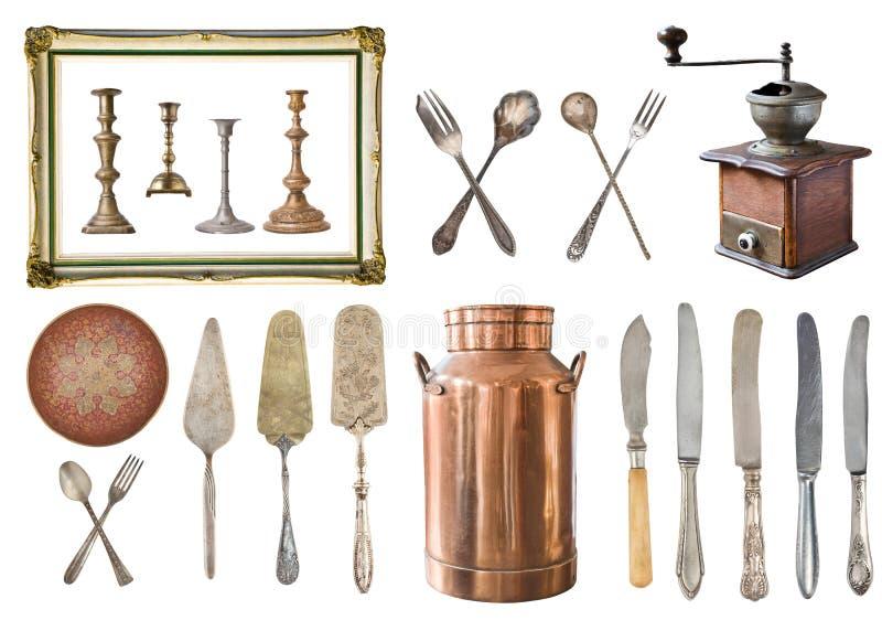 Set 22 wspaniałej starej rocznik rzeczy Stary rocznika cutlery, łyżki, rozwidlenia, noże, nabiał miedziane puszki, talerz, kawowy fotografia stock
