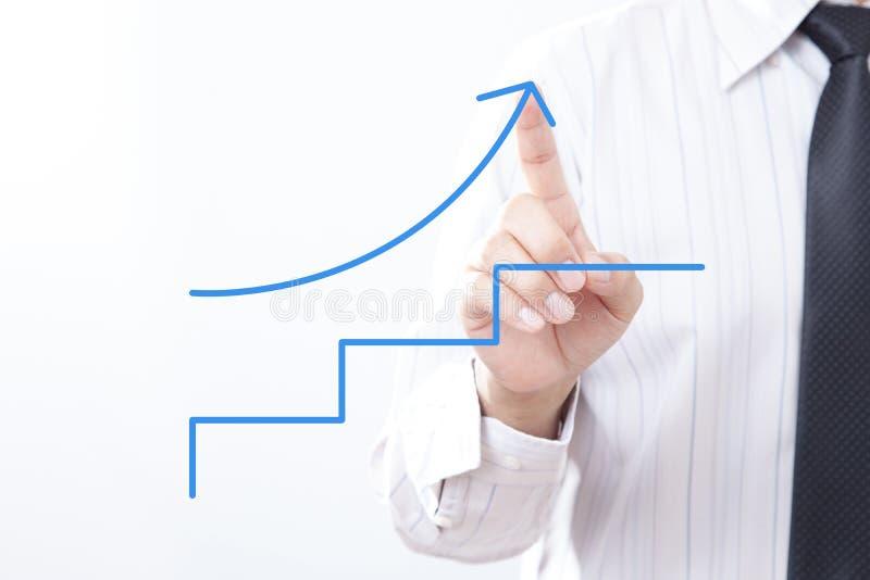 Seta da torneira do homem de negócios que aponta acima com conceito passo a passo fotografia de stock