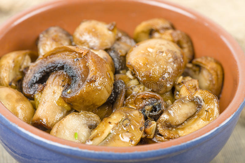 Download Setas al Ajillo stock photo. Image of brown, clay, fried - 31967494