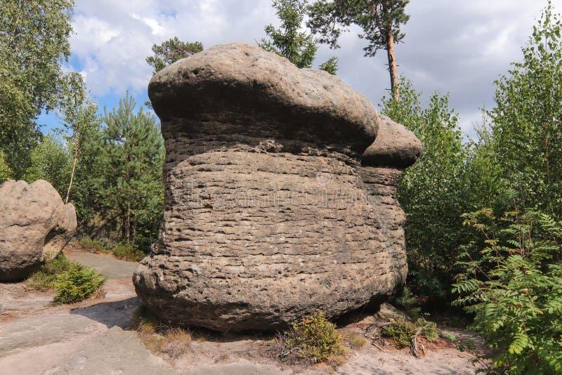 Setas de la roca - formaciones de roca extrañas, paredes de Broumov imagen de archivo libre de regalías