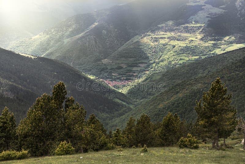 Setcases by i Pyreneesna arkivbilder