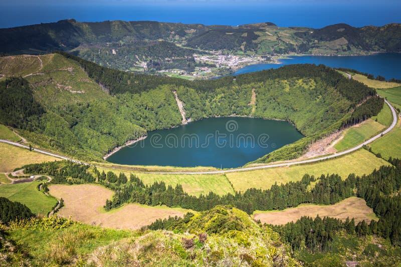 Sete Cidades Lagoa Ponta Delgada亚速尔群岛Sete Cidades是民用的 免版税库存图片