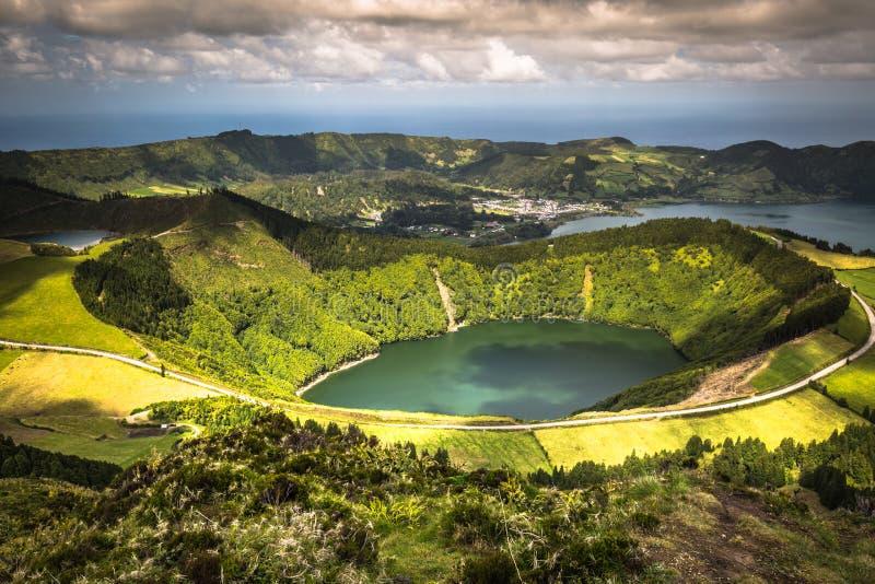 Sete Cidades Lagoa Ponta Delgada AZORES Sete Cidades es un civil fotos de archivo