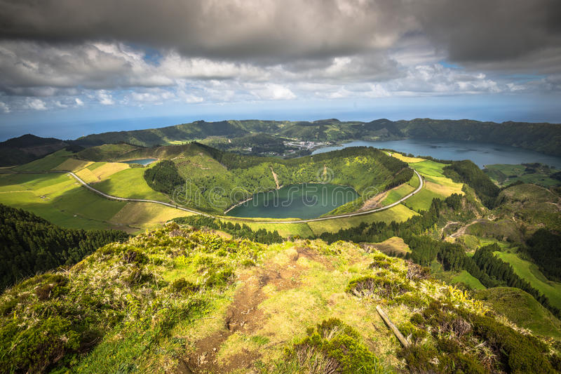 Sete Cidades Lagoa Ponta Delgada AZORES Sete Cidades es un civil imágenes de archivo libres de regalías