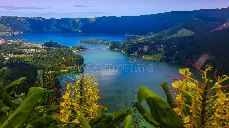 Sete Cidades nel lago Azul sul sao Miguel Azores dell'isola fotografie stock libere da diritti