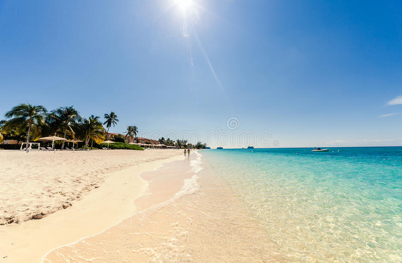Sete milhas de praia em Grande Caimão foto de stock