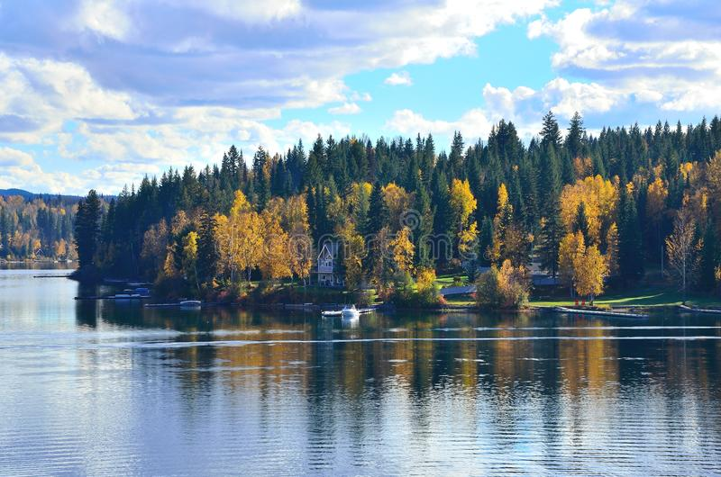 setembro no lago fotografia de stock royalty free
