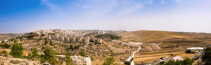 Setlements judíos del abd árabe y la barrera del sparation de Cisjordania foto de archivo libre de regalías
