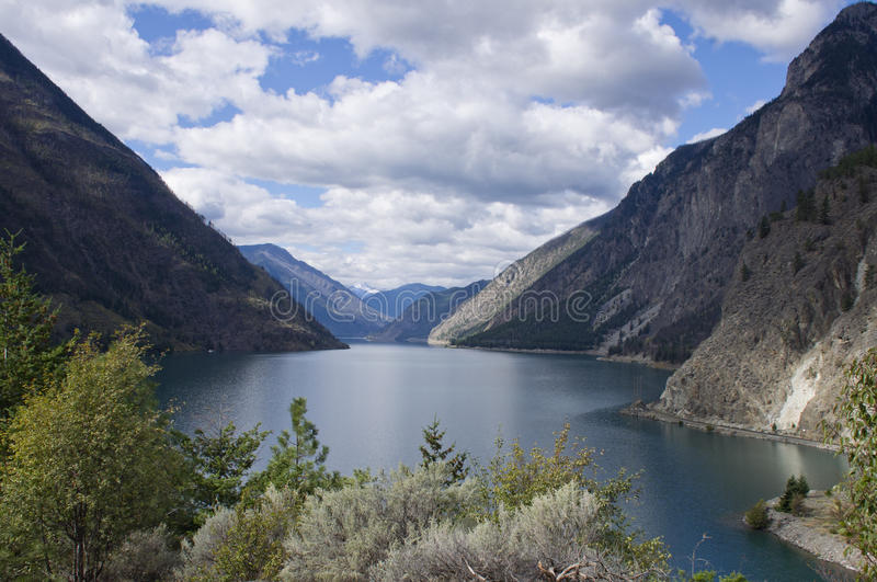 Seton jezioro w wnętrzu BC. obraz royalty free