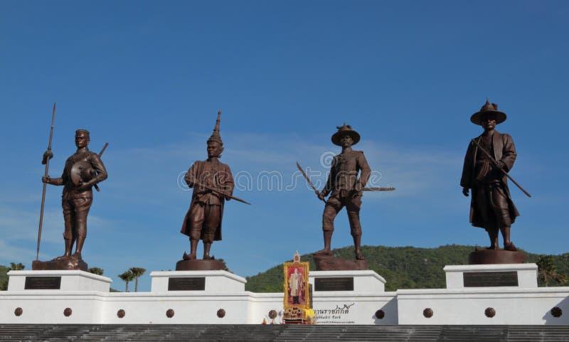 Sette re Giant Bronze Statues Hua Hin Thailand immagine stock libera da diritti