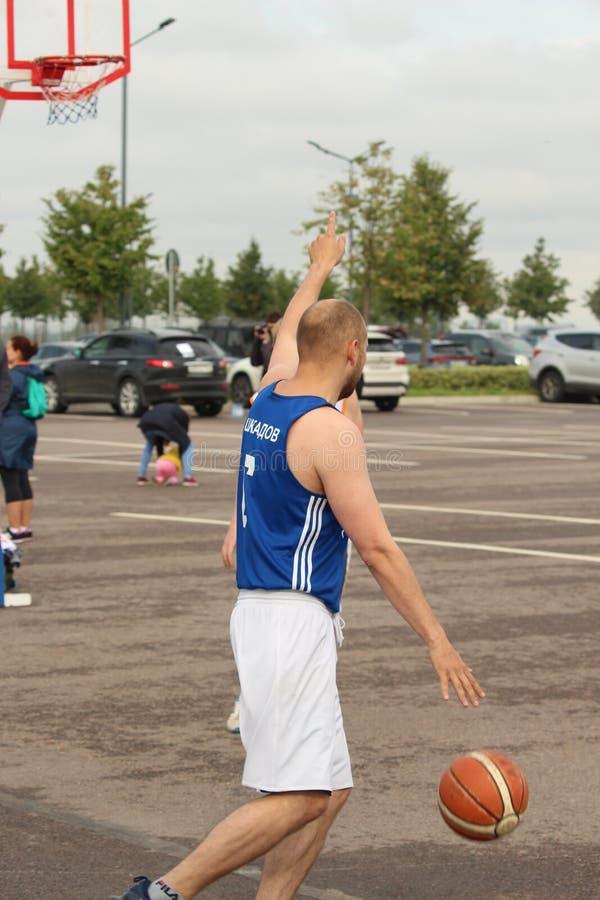 9 settembre 2018, la Russia, St Petersburg, concorrenza di pallacanestro della via fotografia stock libera da diritti