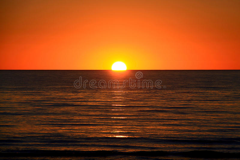 Download Setting Sun Over Ocean, Australia Stock Image - Image: 11835577