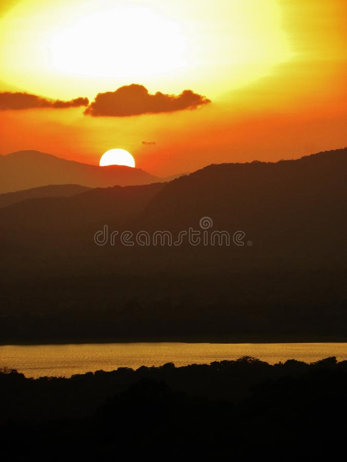Free Settings Of The Sun Stock Photography - 45599822